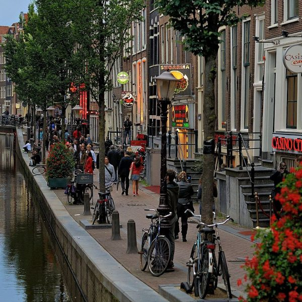 Red-light_district_of_Amsterdam_by_day._2012